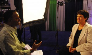 Shashi Bellamkonda Interviews Becky McCray at 2008 BlogWorldExpo